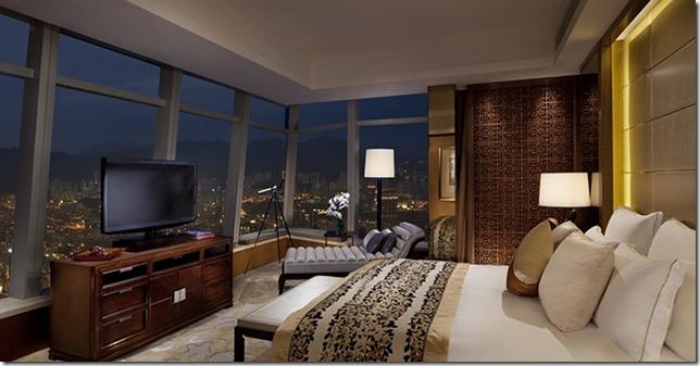 Premier Executive Suite - bedroom
